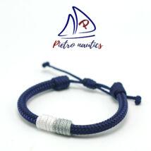 Sötétkék állítható vitorlás karkötő fehér - ezüst átkötéssel