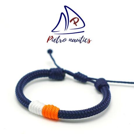 Sötétkék állítható vitorlás karkötő fehér - neon narancs átkötéssel